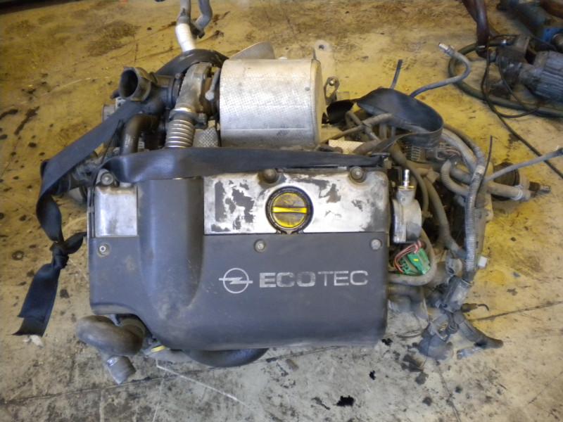 Motore completo più cambio...
