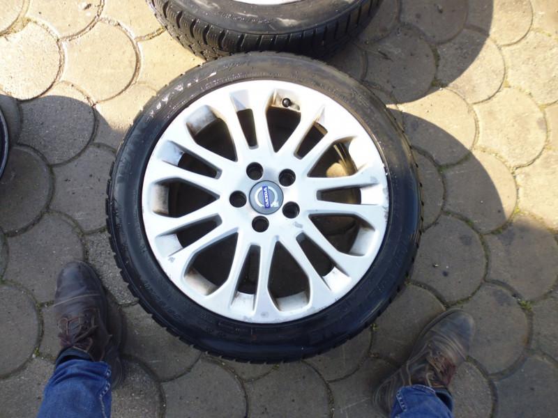 Cerchi in lega Volvo V50...