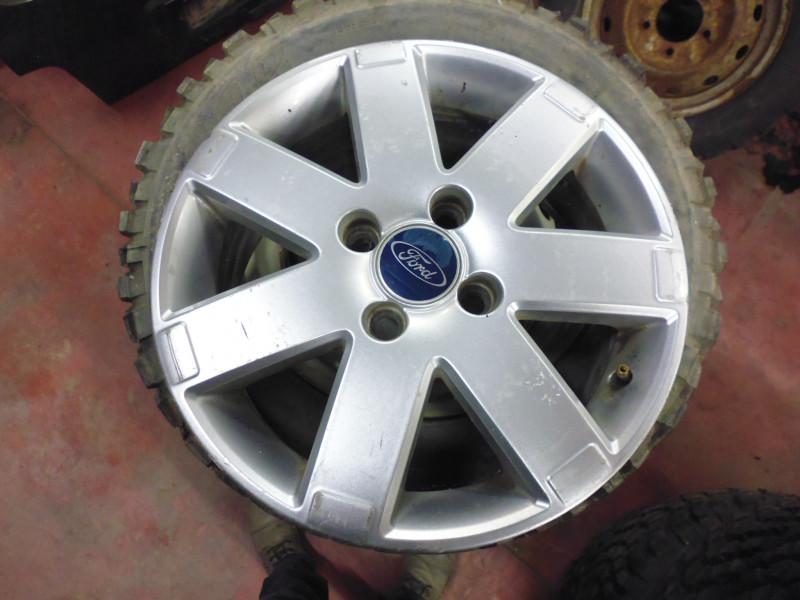 Cerchi in lega Ford 6Jx16...