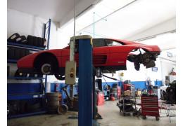 Ferrari 348 ts in manutenzione
